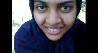 muslim hijabi college lady NAJMA sucking cock secretly in Park