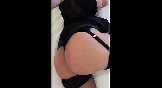 Big 45 inch booty pussy play milf !