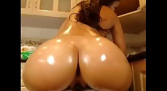 Hot valerydoll squirting on live