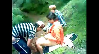 himachali shy aunty fucked outdoor secretely