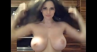 Big Tits Teen Jiggles em' - Dirtyyycams.com