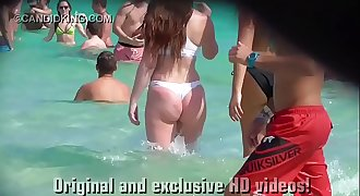Must see teenage PAWG in a thong bikini on the beach in public!