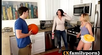 brother praked his step sis by putting his dick in pumpkin - www.xfamilyporn.com