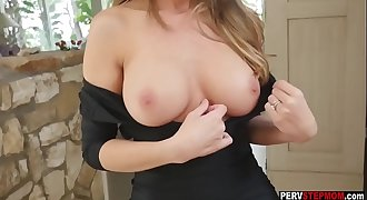 MILF blonde stepmom showed her wet pussy to her stepson