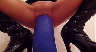 fetish blonde with big dildos